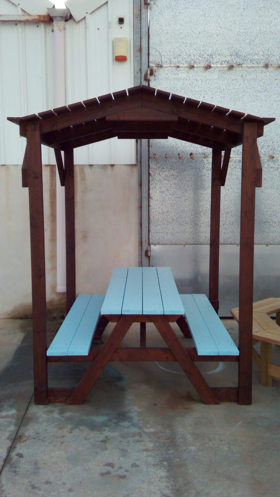 """שולחן קק""""ל מקורה קטן ב 1,999 ש""""ח"""