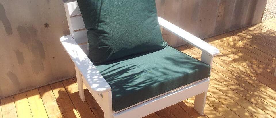 ספסל זולה יחיד עם כריות