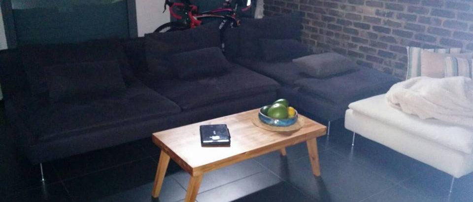שולחן סלון מעץ אורן עיצוב רטרו