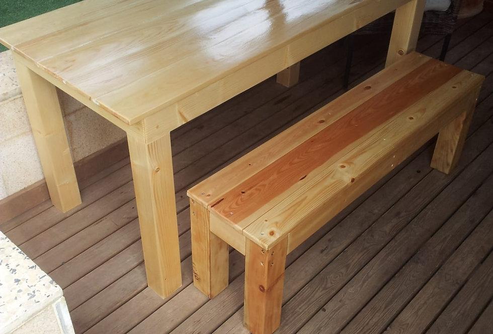 שולחן עץ אורן עם 2 ספסלים
