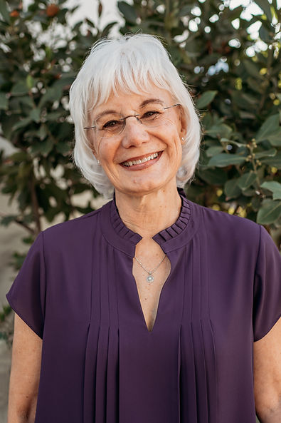 Julie R. (2).jpg