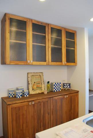 cupboard-1.jpg