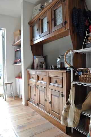 cupboard-2.jpg