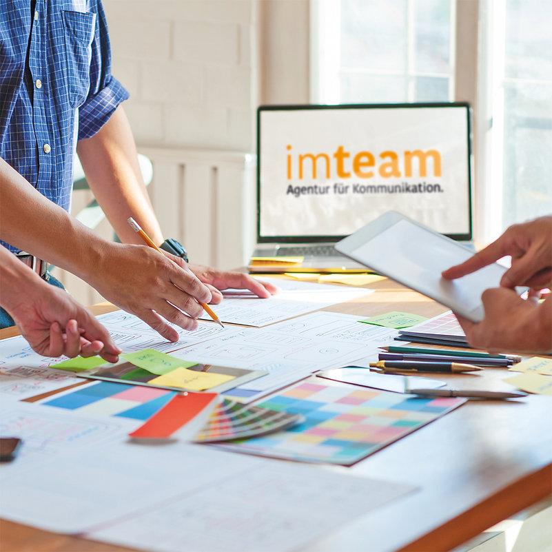Titelmotiv imteam - Gemeinsam am Tisch.jpg