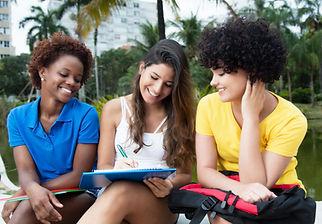 Os estudantes universitários do sexo fem