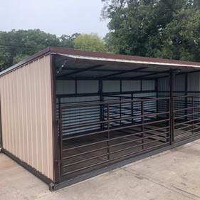10 x 20 - 2 Stalls w/fold Overhang