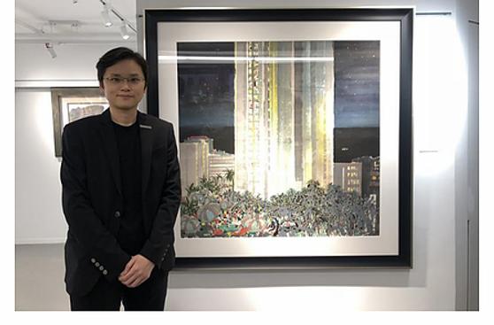 "Ta Kung Pao Hong Kong interviews Jaco Cheung. Exhibition of ""Wu Guanzhong: The Landscape of Life""."
