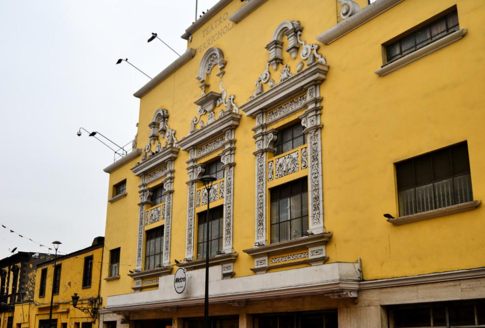 Teatro Perricholi 2.jpg