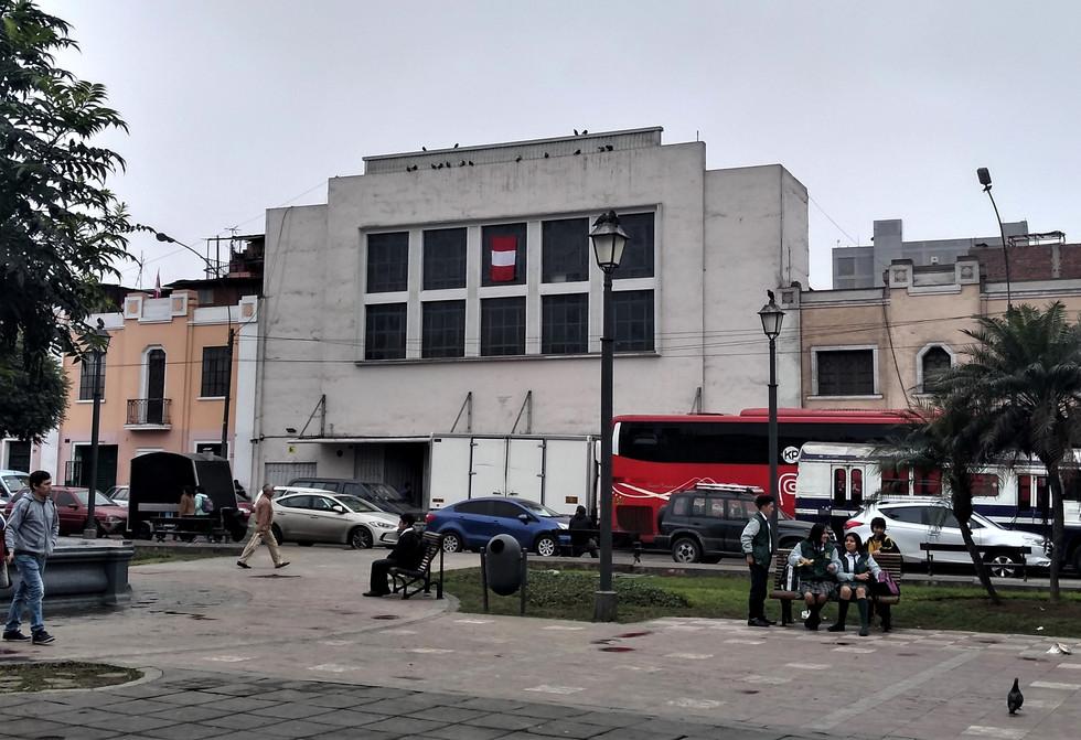 Plaza Italia Cine 2.jpg