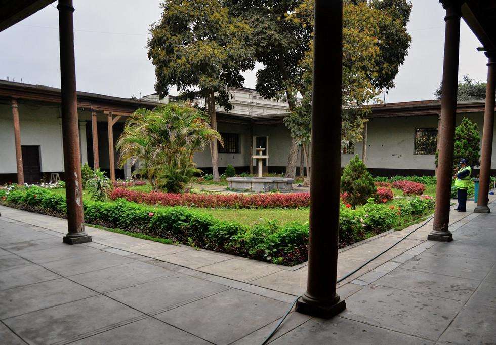 Colegio Real _ Patio 2.jpg