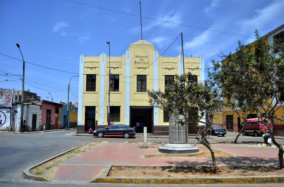 Plaza y Mercado Baratillo 1.jpg