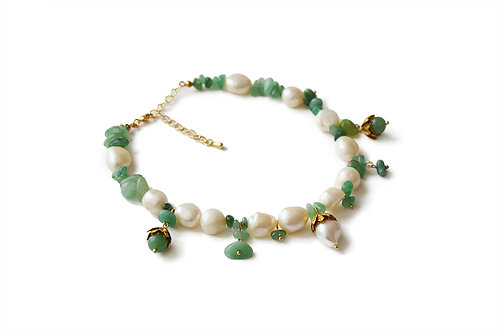 Le Choker perles blanches et jade Muse