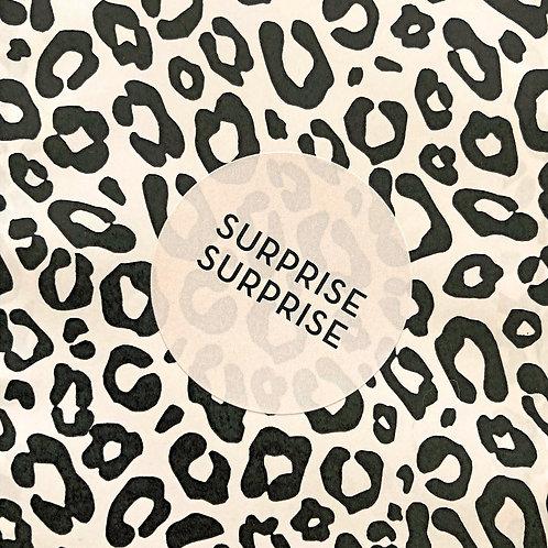 Sticker 'surprise surprise' 50 mm