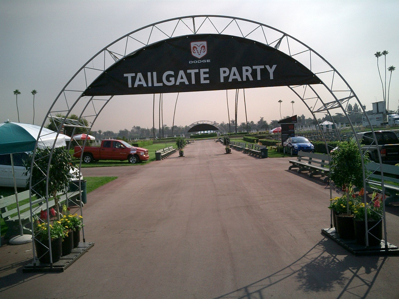 Dodge Tailgate Archway