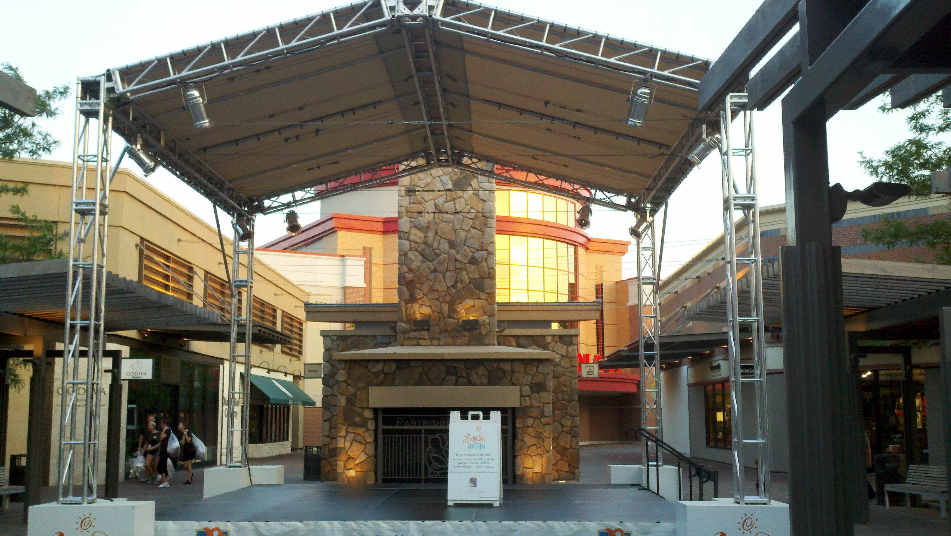 Partidge Creek Mall Roof System