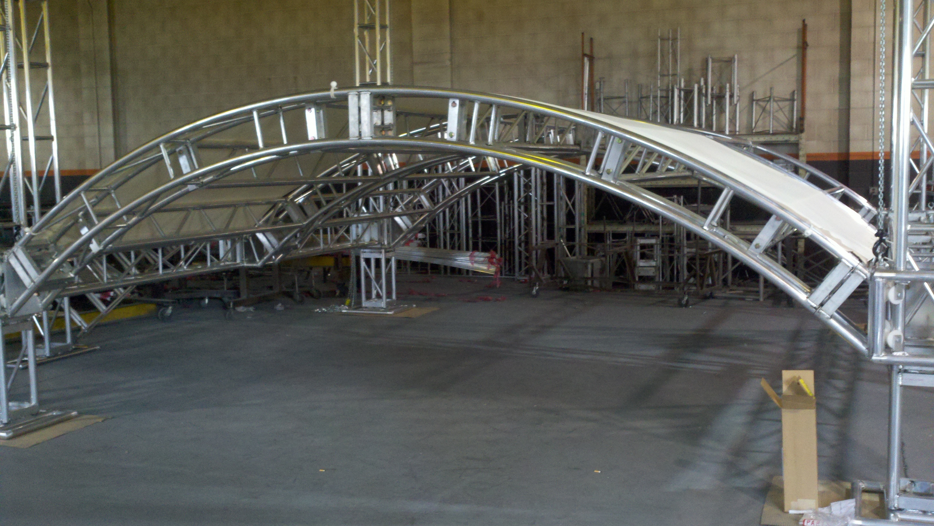 Curved Truss Roof System