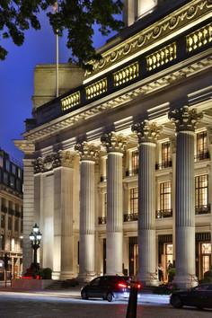 Four Seasons Hotel . London