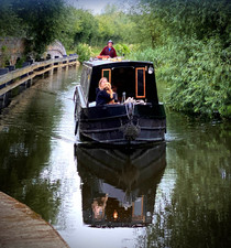 Tara on the Oxford Canal near Aynho