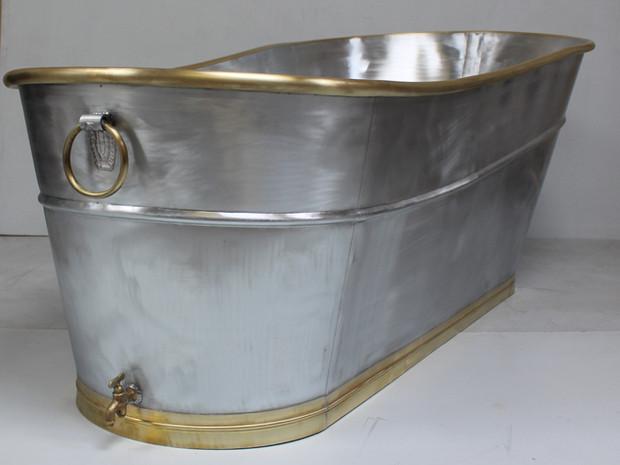 Baignoire en zinc et laiton