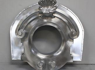 oeil de boeuf zinc , oeil de boeuf cuivre , plomb, ornemaniste zinc paris