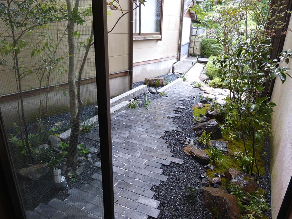 湯楽 中庭