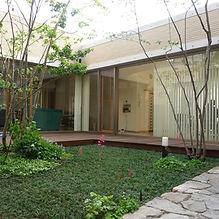鶴見の庭2.jpg