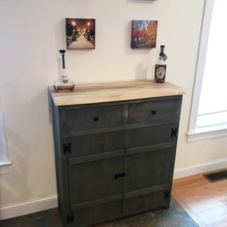 Pine Liquor Cabinet with Ambrosia Top