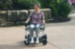lady-in-zoomer-mobile-1.jpg