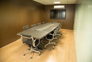 table-2469046_1920.jpg