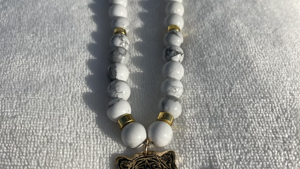 Howlite with tiger