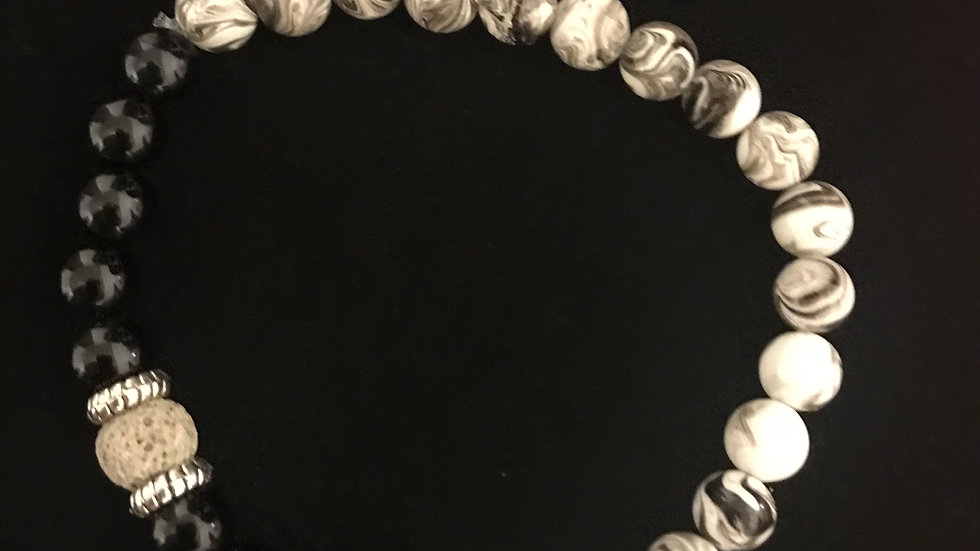 Black and white glass bead bracelet
