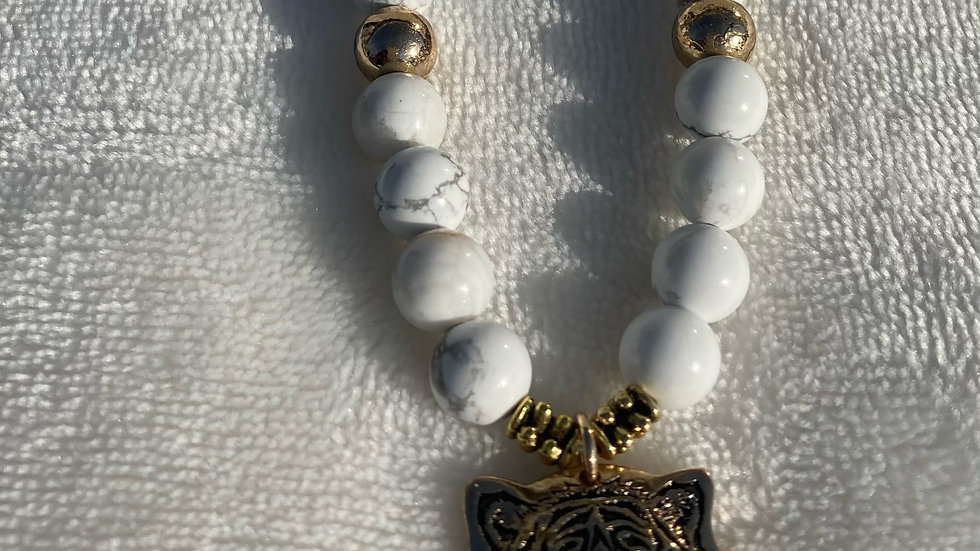 White Howlight Necklace