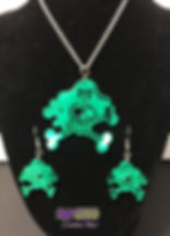 PirateSkullPendantEarrings_greenchrome.j