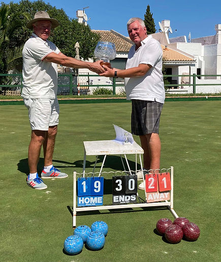 20250625 The champion receives the Len M