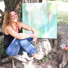 Sophia Buddenhagen painting outdoors SoBudd