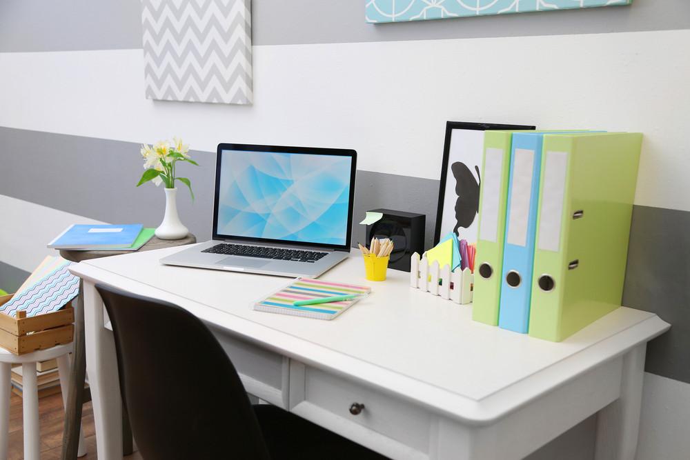 """Atelier """"Réussir à travailler quand on bosse de chez soi"""" - Concilier entrepreneuriat et travail à la maison - LesSerialKiffeuses.com"""