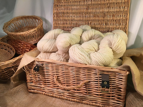 Creamy white aran weight mill spun yarn 100g