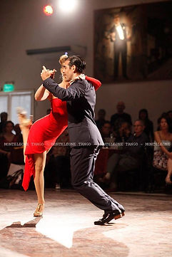 Experience Tango with Mika & Cristian  Salón Canning
