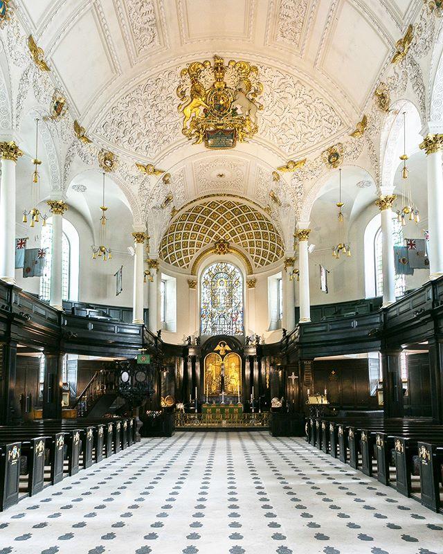 St Clement Danes Church lies on an islan