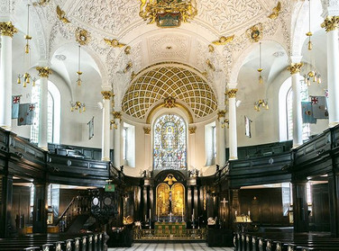 City Lit Photography - photographing St Clement Danes