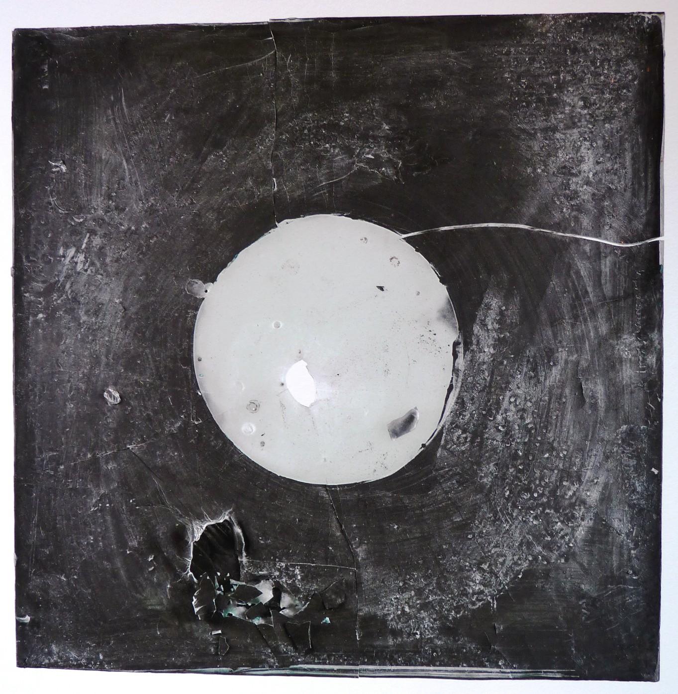 Lunar Plate