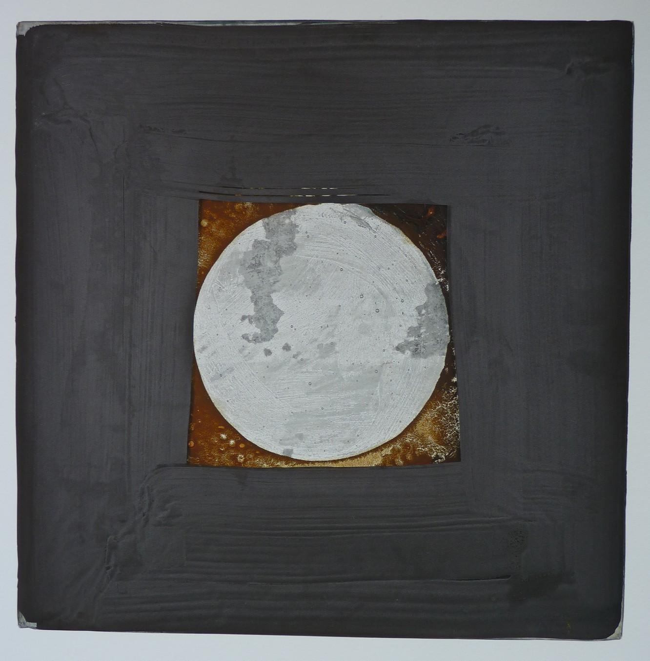 Lunar Plate I (Graphite)