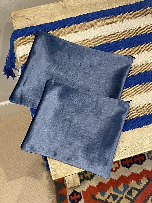 Velvet effect pouch (unlined)