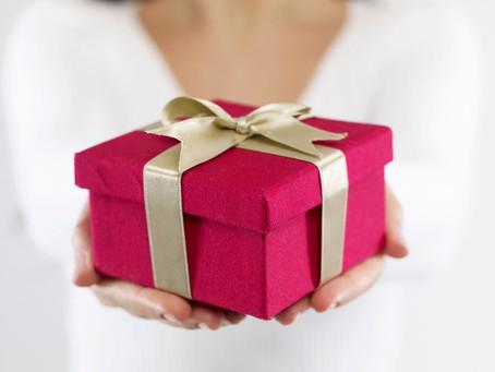 What shall I gift in any festive season ?