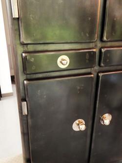 Armoire en métal vintage