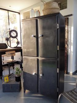 Armoire vintage en métal