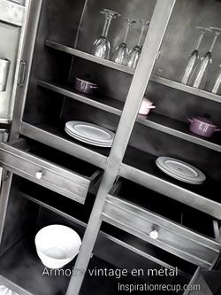 Armoire de cuisine vintage