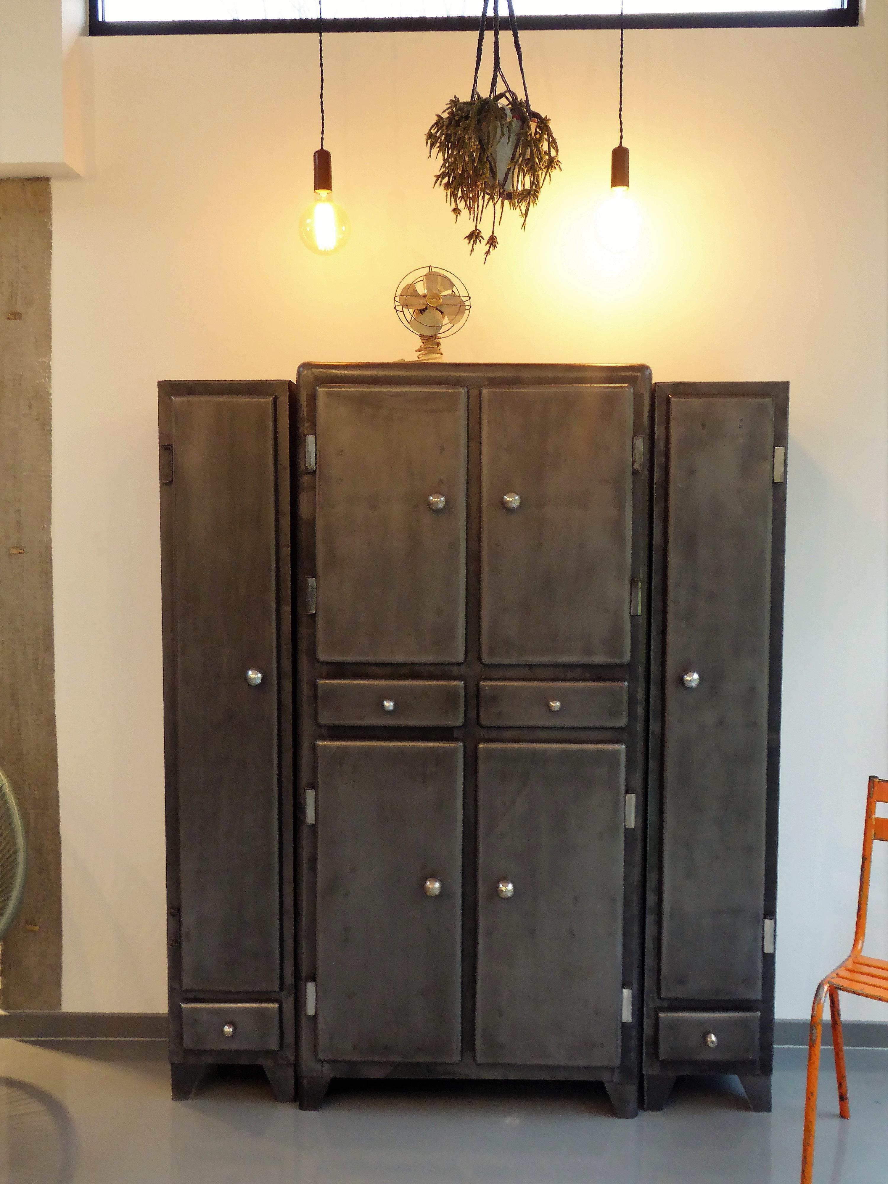 meuble industriel salle de bain salle de bain type industriel meuble salle de bain type with. Black Bedroom Furniture Sets. Home Design Ideas
