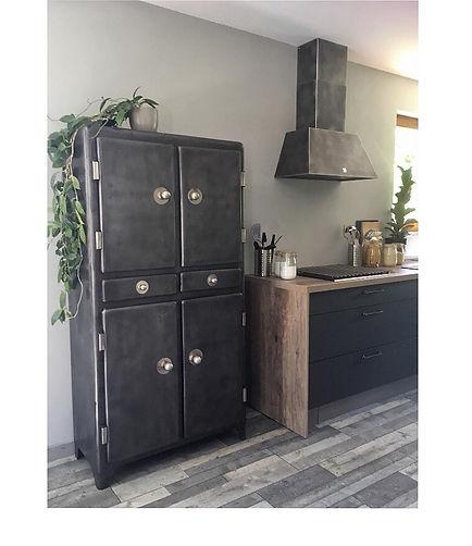 armoire de cuisine années vintage