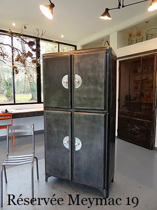 Armoire de cuisine vintage en métal